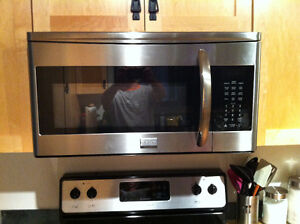 Frigidaire Gallery 1.7 Cu. Ft. stainless steel Over-The-Range Mi