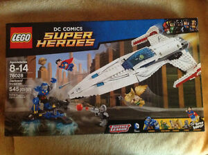 Lego DC Comics Super Heroes #76028 Darkseid Invasion