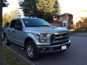 Ford 2016 F150 XLT SuperCrew 4x4 5.0L Pickup - Only3000km!!