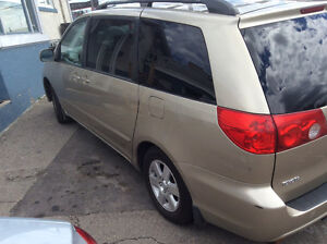 2008 TOYOTA SIENNA LE DVD