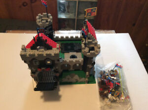 Lego set #6086 Black Knights Castle