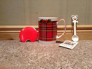 Hot Chocolate / coffee mug, cap and stir stick in giftbox UNUSED Kitchener / Waterloo Kitchener Area image 2