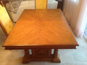 Sturdy dining table and 6 chairs