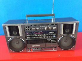 Hitachi TRK-9100E Stereo Radio Cassette-Ghetto Blaster-Boom Box-needs attention