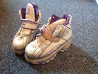 Buffalo boots size 4
