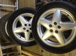 A Set of 4 Tires w/Alloy Rims (P205/55R16)
