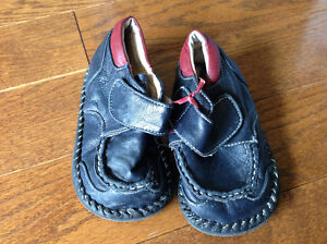 Little Soles leather size 7 (toddler)