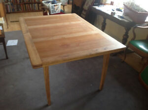 Dining table - Dutch-leaf