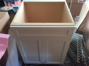 "24"" kitchen cabinet (off white, shaker style - new)"
