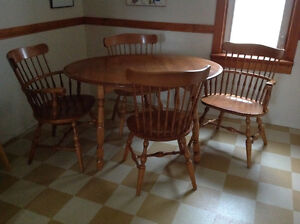 Solid Maple Table and Chairs Regina Regina Area image 1
