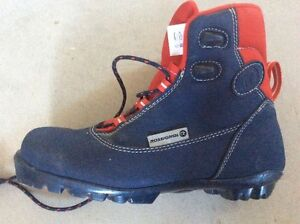 Size 38 EU Cross Country Boots