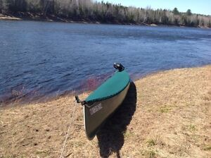 26' Sharp canoe for sale with lots of extras....