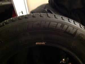 Like new winter Michelin x-ice  215/65r16