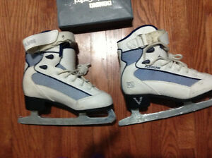 Girls figure skates for sale London Ontario image 1