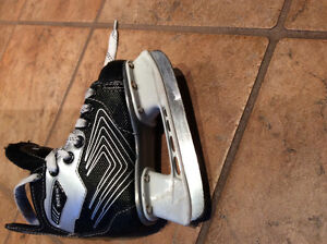 KIDS CCM hockey skates Size 8 Junior