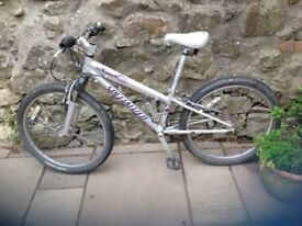 Girls Bike Specialized Hot Rock for ages 8-12 years