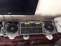Pioneer CDJ-800 Pair and Numark CDMix1