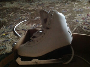 "Girls figure skates Grath ""Richmond Sp""with Pattern 99 blades"