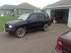 2002 Chevrolet Tracker Xl SUV, Crossover