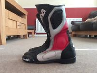 Forma motorbike boots size 9, great condition