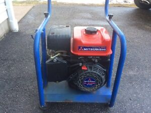 6 hp 4 stroke engine