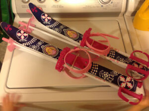 Barbie Skis (adjustable size boot straps). EUC