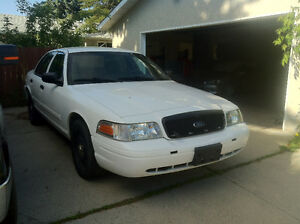 2010 Ford Crown Victoria Police Interceptor P71 101,075 kms