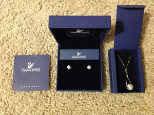 Swarovski Necklace & Earring Set (Small Crystals)