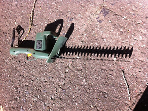 Taille-haies / Hedge trimmer