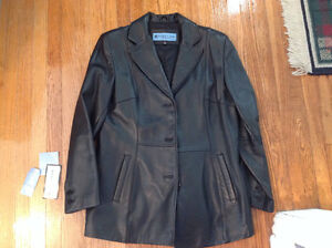 KENNETH COLE REACTION LEATHER JACKET.
