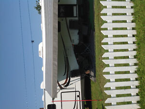 2012 Trail-Lite 31ft Travel Trailer,weight 300098KG, 2 push outs