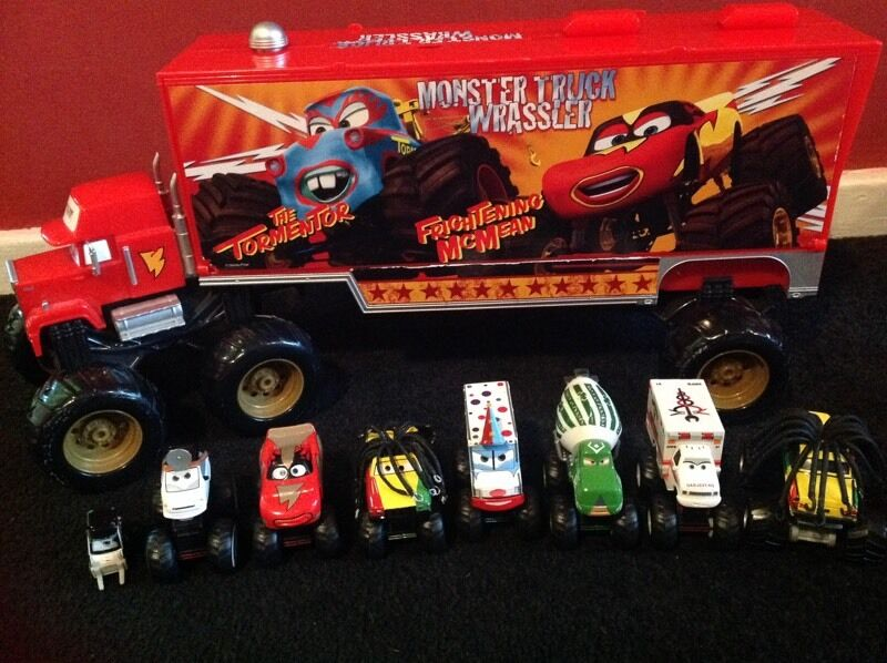Very Rare Disney Cars Mack Monster Truck Wrassler Carry Case In