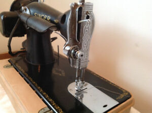Vintage Circa 1940 Singer sewing machine, Model 15-91