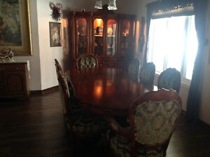 GORGEOUS FRENCH CARVED 13 pce  VALENTINO DINING ROOM SUITE