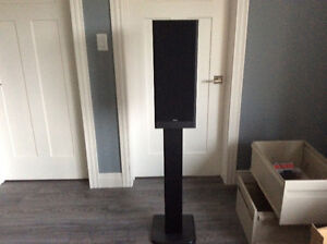 2 speakers with stands