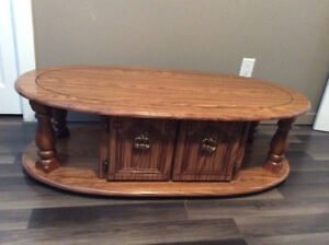 Oval shaped coffee table for Sale!