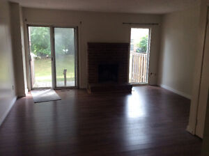 LOCATION 3 bedrooms townhouse house apartment basement