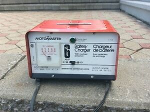Motomaster chargeur batterie auto
