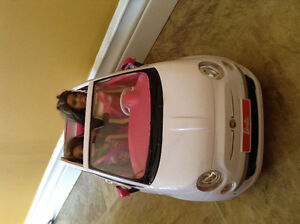 *BARBIE CAR WITH 2 BARBIES*