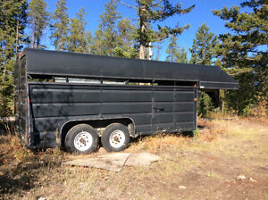 Fifth wheel stock trailer