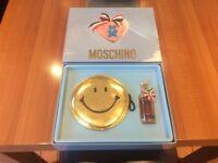 Unique Moschino Shoulder bag and Eau de Toilette gift pack