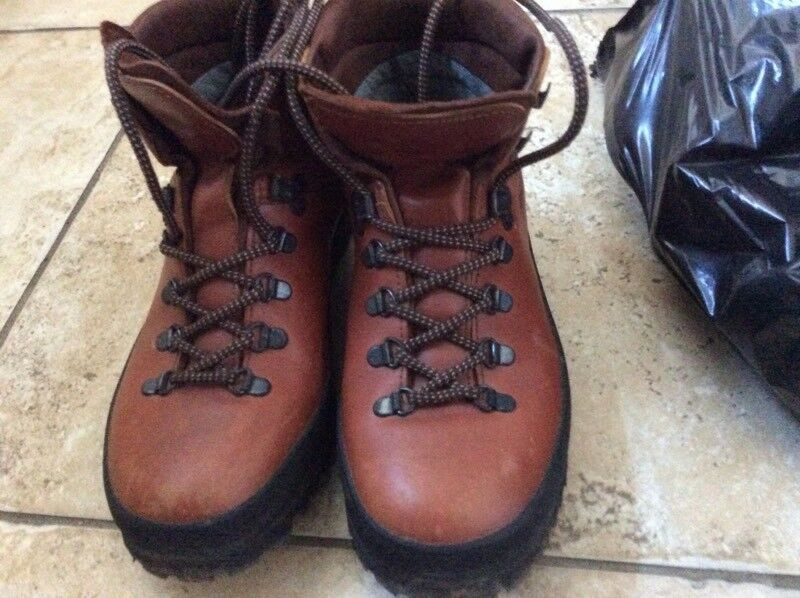 be403d5e785 Scarpa leather ladies mountain walking boots size 6