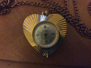 Spendid 17 jewel Swiss made clear crystal watch gold color