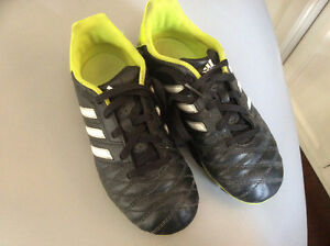 Youth Size 1 Soccer Cleats