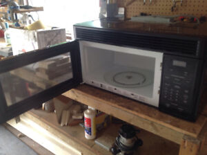 GE space maker over the range microwave and vent hood
