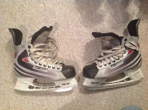Bauer Vapor size 6D hockey skates