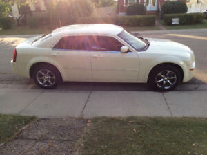 2007 Chrysler 300-Series Touring For TRADE TRADE EMAIL ME