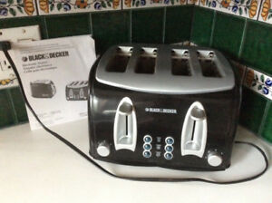 """Toaster 30$ Toaster electric """"black and decker"""" 30$"""