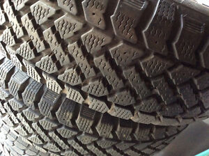 New 2- Radial ST/2 Pacemaker p195-70-R 14 winter tires   Made i