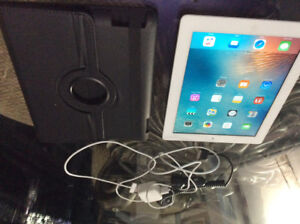 iPad for sale,comes with case,and chargers